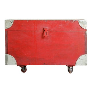 Vintage Red Storage Trunk Coffee Table For Sale