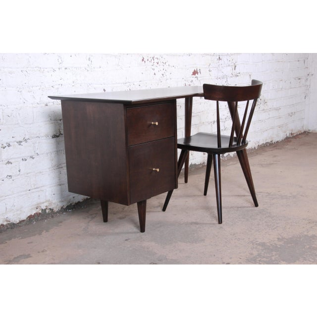 Contemporary Paul McCobb Mid-Century Modern Planner Group Desk and Chair, Newly Restored For Sale - Image 3 of 13