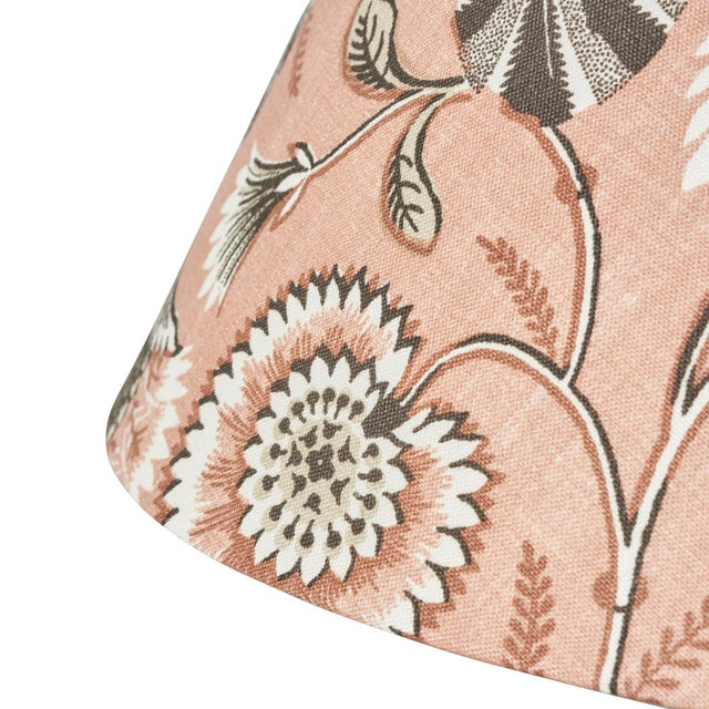 Contemporary Schumacher Ursula Linen Lampshade in Blush For Sale - Image 3 of 5