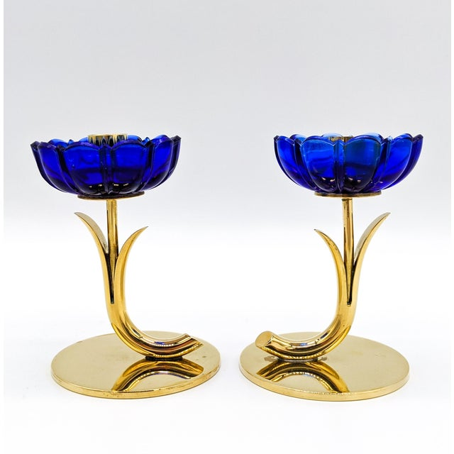 1950s 1950s Mid-Century Swedish Gunnar Ander for Ystad-Metall Cobalt Blue Glass Flower & Brass Candleholders - a Pair For Sale - Image 5 of 12
