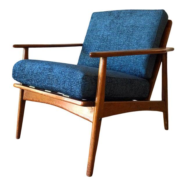 Mid-Century Modern Walnut Arm Chair For Sale