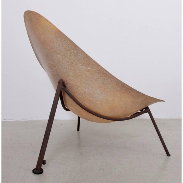 1950s Early French Fiberglass Lounge Chair in Parchment by Ed Merat, France, 1956 For Sale - Image 5 of 8