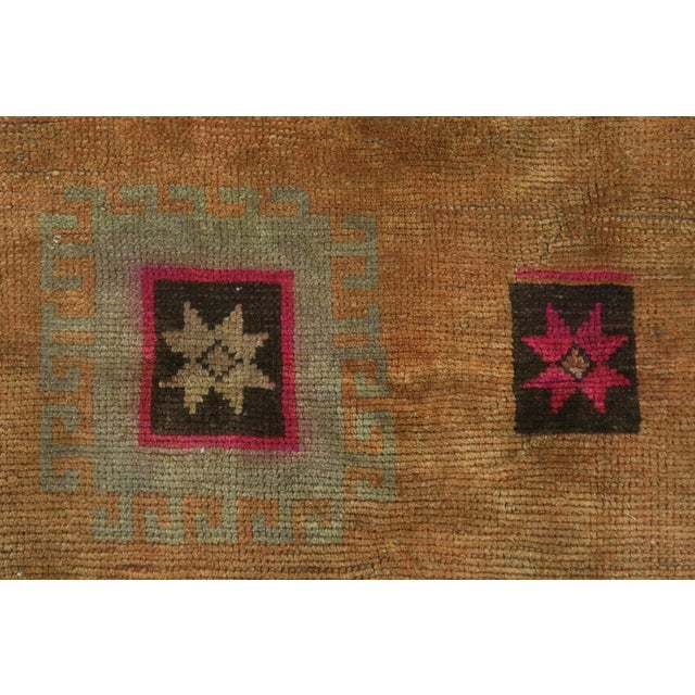 "Vintage Turkish Kilim Rug-4'3'x5'10"" For Sale - Image 9 of 13"