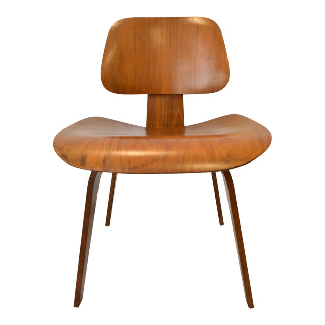 1970s Mid-Century Moderm Eames DCW Molded Plywood Chair For Sale