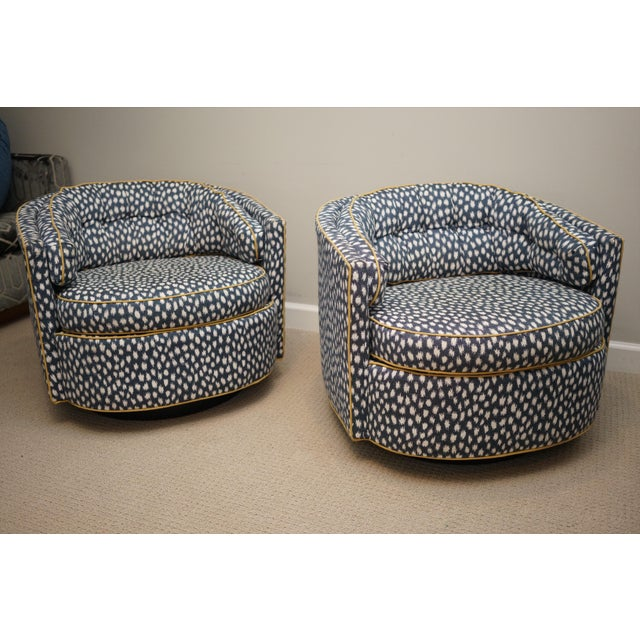 Mid-Century Baughman Style Plinth Base Swivel Chairs - A Pair For Sale - Image 11 of 12