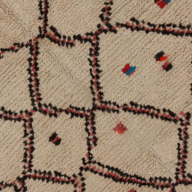 """Berber Tribes of Morocco Vintage Berber Moroccan Rug With Boho Chic Style - 3'1"""" X 4'8"""" For Sale - Image 4 of 4"""