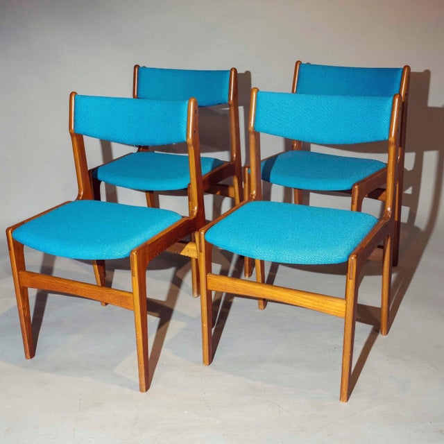 1960s Vintage Mid-Century Curated Teak Dining Chairs - Set of 4 For Sale - Image 5 of 5