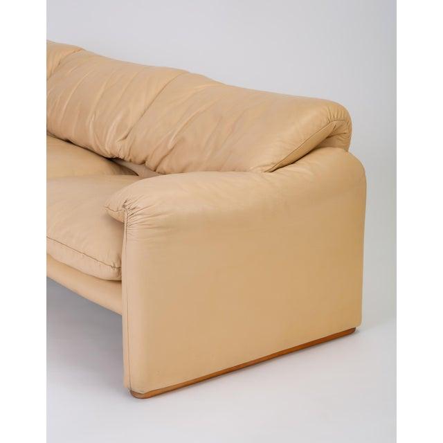 "Leather ""Maralunga"" Sofa by Vico Magistretti for Cassina For Sale - Image 11 of 12"