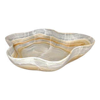 Organic and Mid-Century Modern Caramel and White Onyx Hand Carved Oversized Decorative Bowl For Sale
