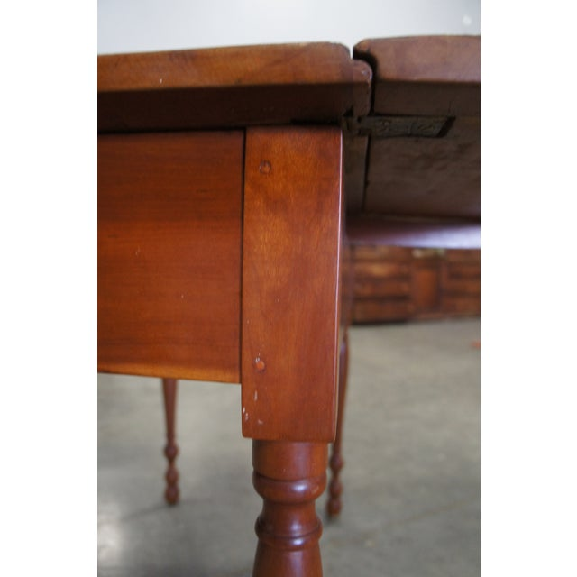 Brown 1900s Early American Style Solid Pine Drop Leaf Dining Table For Sale - Image 8 of 13
