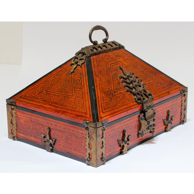 Large Decorative Indian Jewelry Box With Brass, Kerala Nettur Petti For Sale - Image 9 of 13