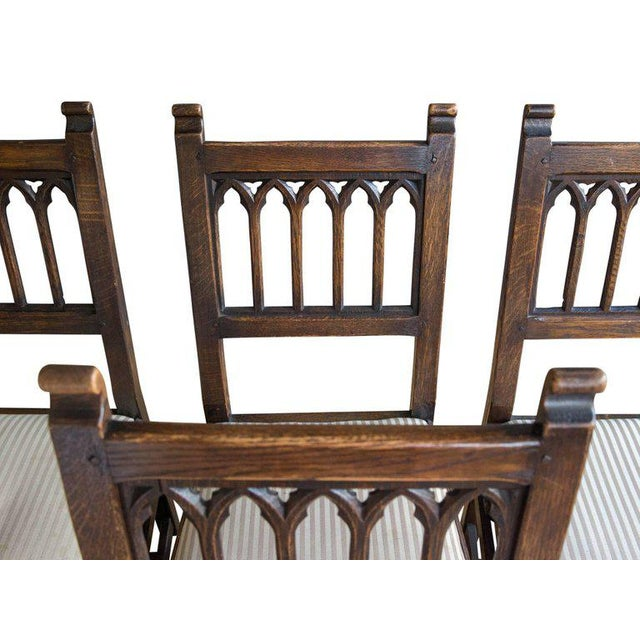 Set of Six Oak Gothic Revival Pew Chairs from Riverside Church - Image 6 of 11