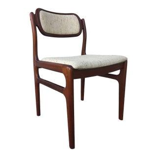 Johannes Andersen Uldum Møbelfabrik Mid Century Danish Rosewood Dining Chair For Sale