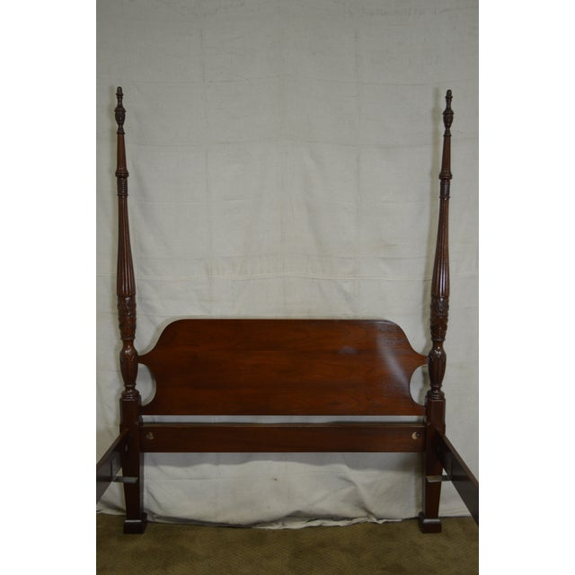Traditional Councill Craftsman Mahogany Queen Size Rice Carved Poster Bed For Sale - Image 3 of 10