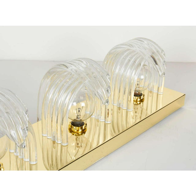 Gold Mid-Century Modern Sculpted Lucite and Brass Wall Light by Lightolier For Sale - Image 8 of 11