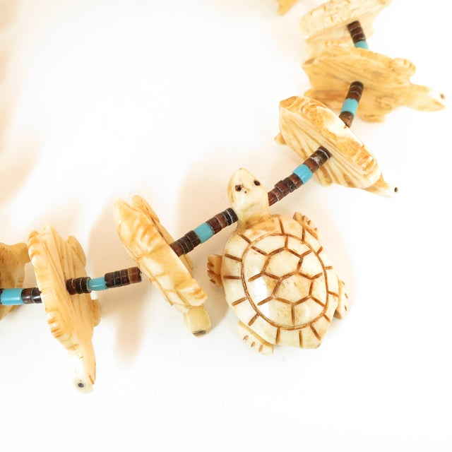 White Native American Zuni Hand-Carved Bone Turtle Fetish Necklace 1970s For Sale - Image 8 of 12