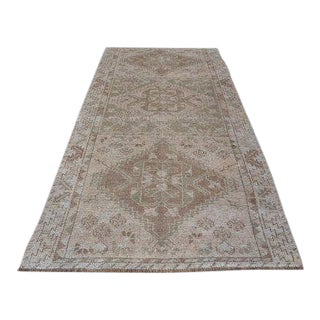 1960s Vintage Turkish Hand-Knotted Floral Rug - 4′7″ × 10′2″ For Sale