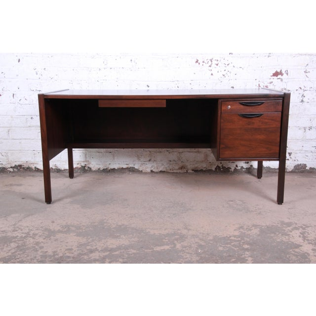 Contemporary Jens Risom Mid-Century Modern Walnut Executive Desk, 1960s For Sale - Image 3 of 13