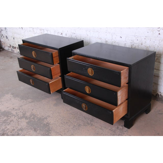 1960s Ebonized Hollywood Regency Chinoiserie Large Nightstands or Bachelor Chests by Davis Cabinet Co., Pair For Sale - Image 5 of 10