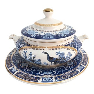Large Midcentury 24k Gold Blue & White Peacock Soup Tureen & Under-Plate - Set of 2 For Sale