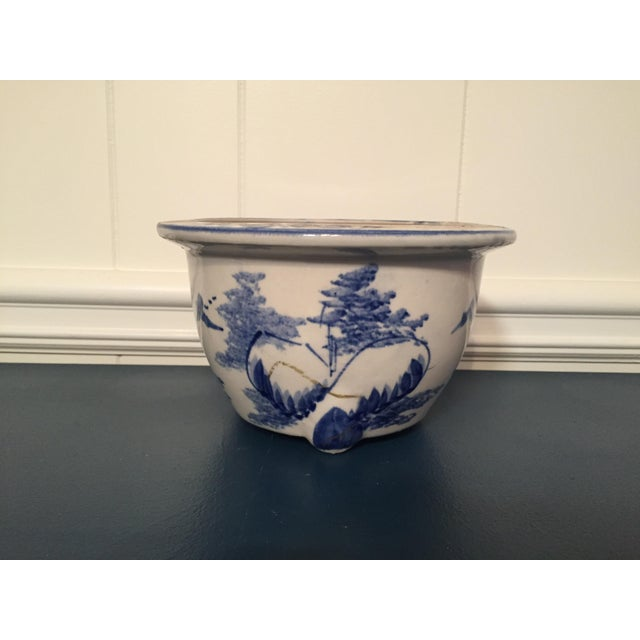 1990s Chinoiserie Blue & White Pot For Sale - Image 4 of 4