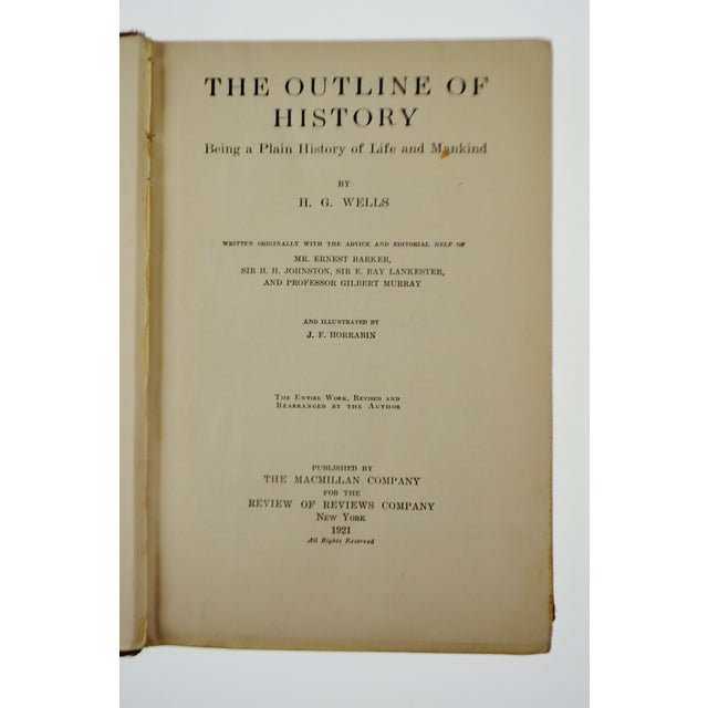 Americana Vintage 1921 The Outline of History by H. G. Wells Illustrated Hardcover Book For Sale - Image 3 of 9