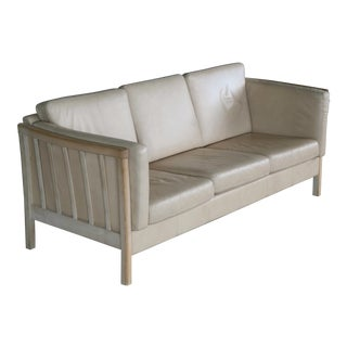 Borge Mogensen Style Three-Seat Spoke-Back Sofa in Creme Leather and Natural Oak For Sale