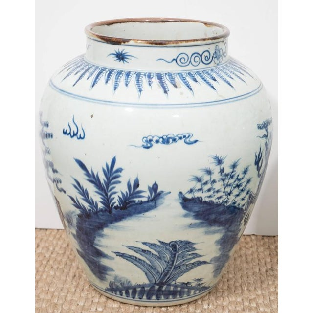 Ceramic A Large Chinese Export Vase For Sale - Image 7 of 10