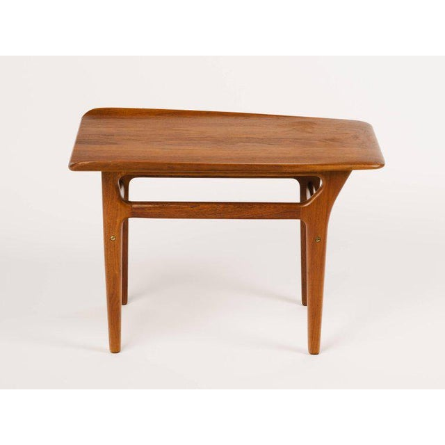 Poul Jensen Pair of Danish Modern Teak Side Tables in the Style of Poul Jensen For Sale - Image 4 of 11