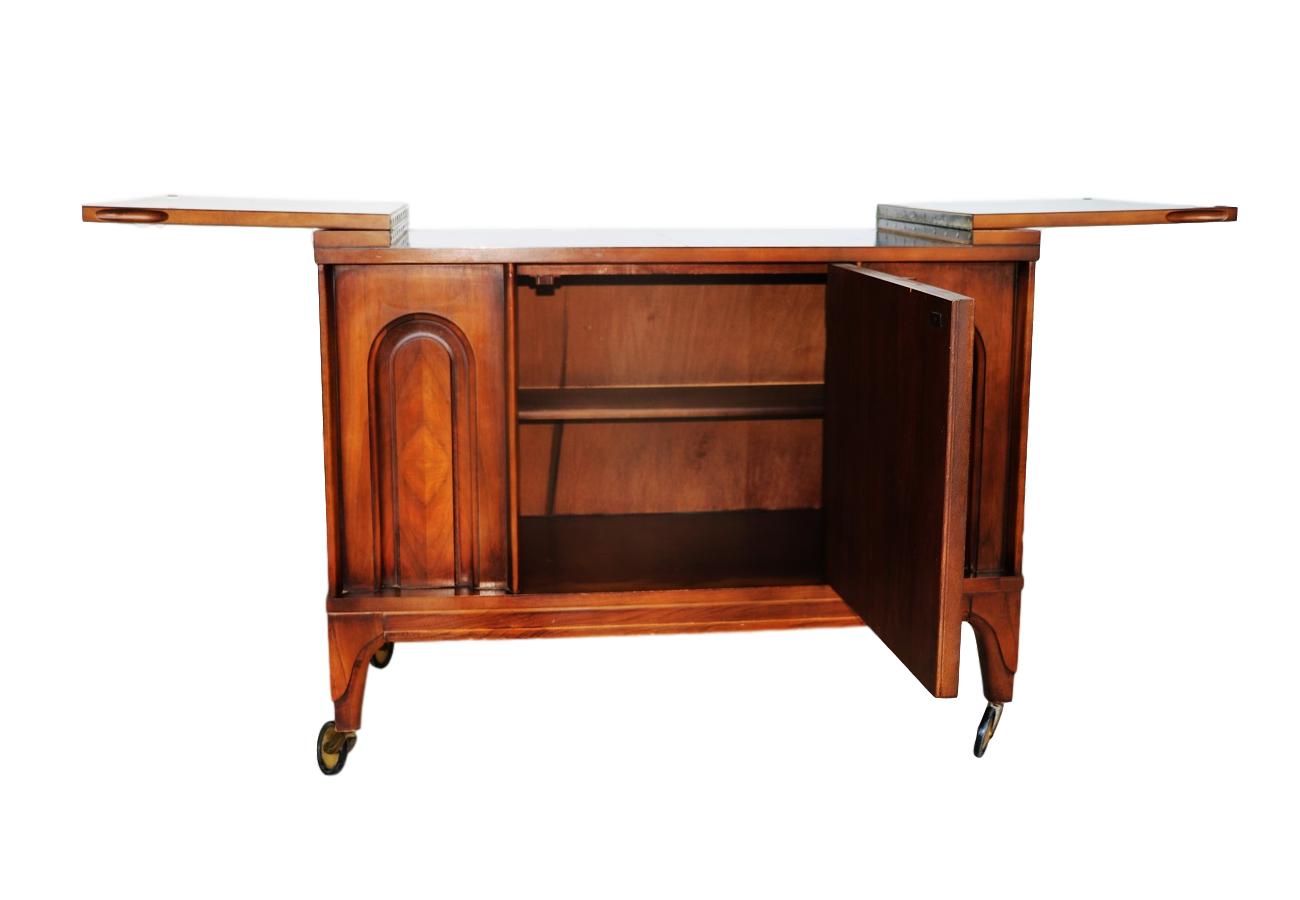 Mid Century Modern Walnut Flip Top Bar Cabinet   Image 5 Of 7