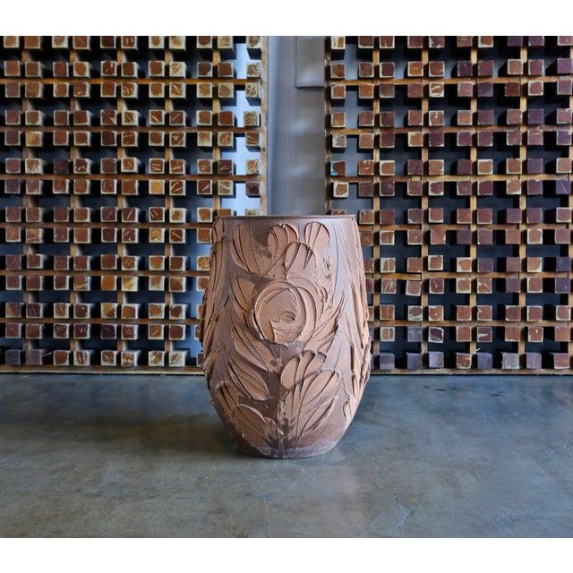 "Brown Mid Century David Cressey ""Expressive"" Design Ceramic Planter For Sale - Image 8 of 8"