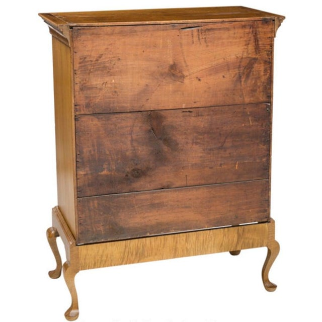 19th Century American Chippendale Style Curly Tiger Maple Highboy Chest of Drawers For Sale In Austin - Image 6 of 8