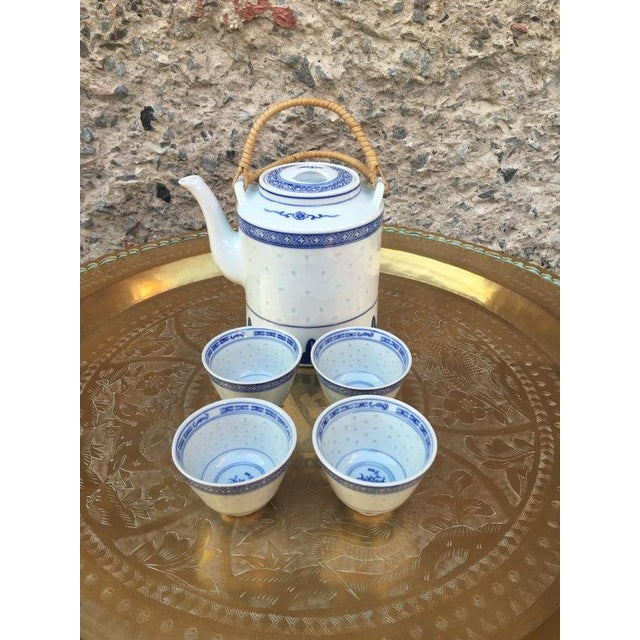 Blue and White Chinoiserie Teapot & Cups - Image 6 of 6