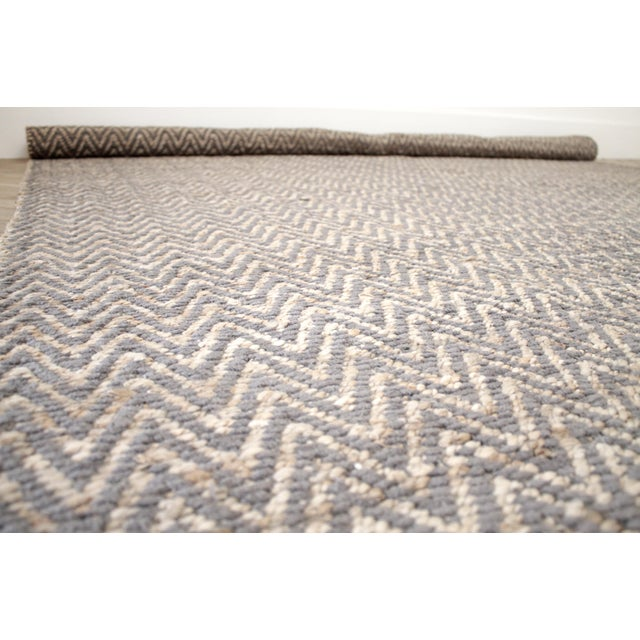 Modern Chevron Gray Wool and Natural Fiber Rug 8x10 For Sale - Image 4 of 7