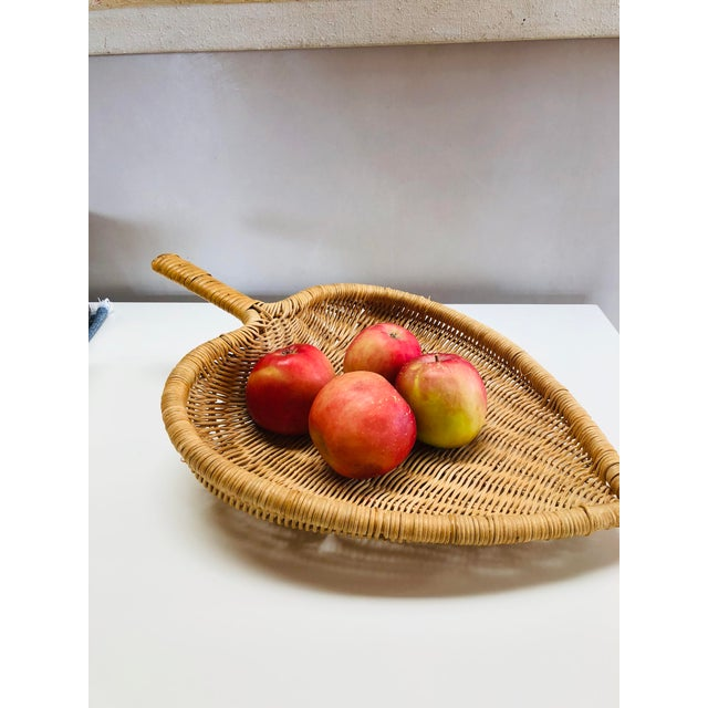 Wicker 1960s Boho Chic Wicker Basket With Handle For Sale - Image 7 of 11