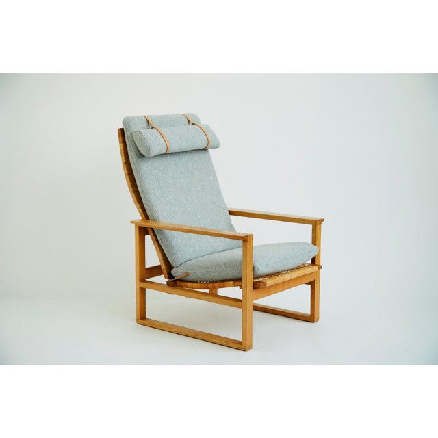 Fantastic lounge chair Slædestolen Model BM-2254 by Børge Mogensen in a great vintage condition. Newly upholstered Light...