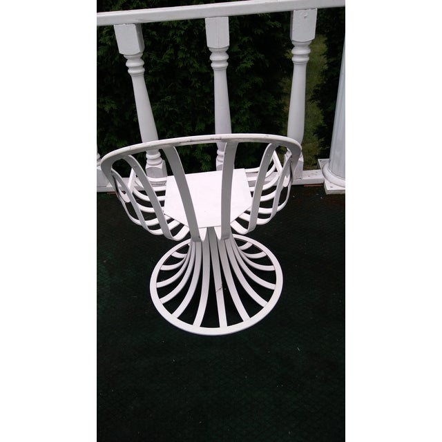 Russell Woodard Mid-Century Aluminum Table & 5 Chairs - Image 5 of 11