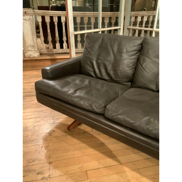 Wood 1960s Danish Leather and Rosewood Sofa by Fredrik Kayser For Sale - Image 7 of 10