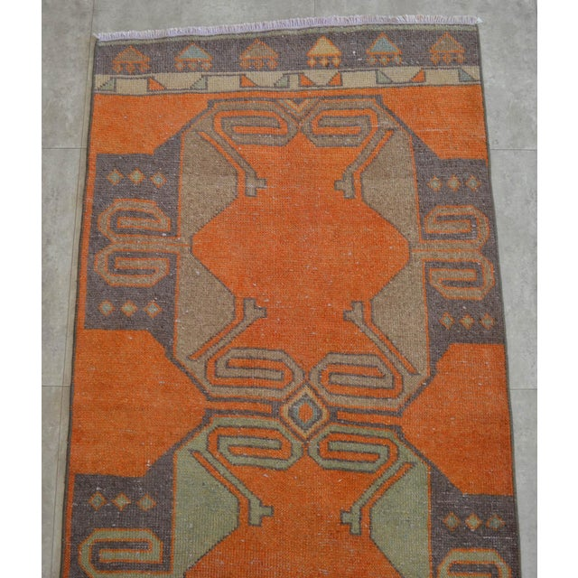 1970s Distressed Oushak Rug Runner - Faded Colors Hallway Rug 2'9″ X 11'4″ For Sale - Image 5 of 10
