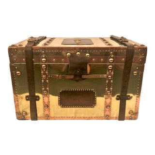 Antique Exceptional English Military Brass and Copper Trunk With British Regimental Brasses, Circa 1890-1910. For Sale