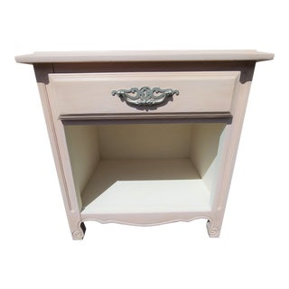 20th Century Cottage Dusty Pink Side Table For Sale