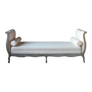 19th Century French Louis XV- Style Daybed With Distressed Finish For Sale