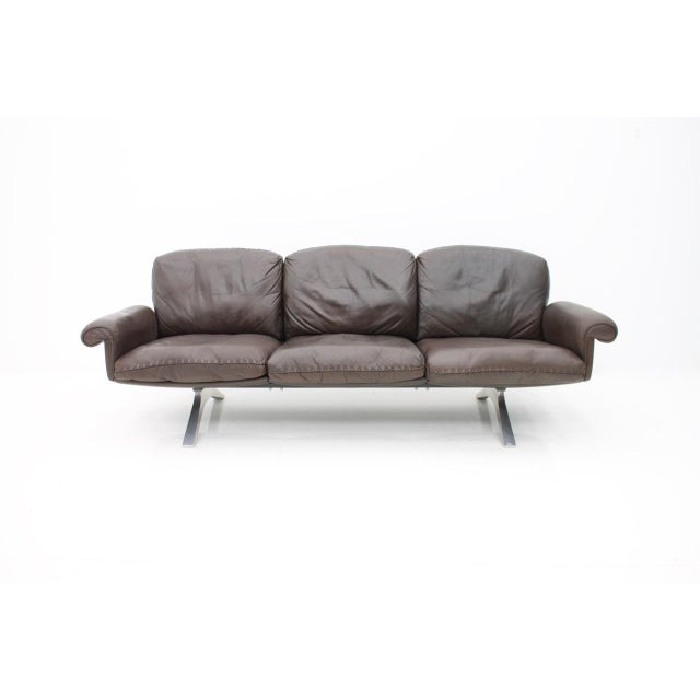 De Sede Leather Sofa Ds 31 With Chrome Base, Switzerland, 1970s For Sale - Image 9 of 9