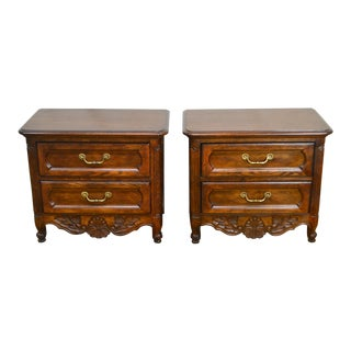 French Country Style Pair of Oak Bedside Chests Nightstands by Hickory For Sale