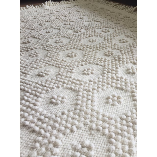 "White Wool Rug - 4'5"" x 7'1"" - Image 5 of 10"