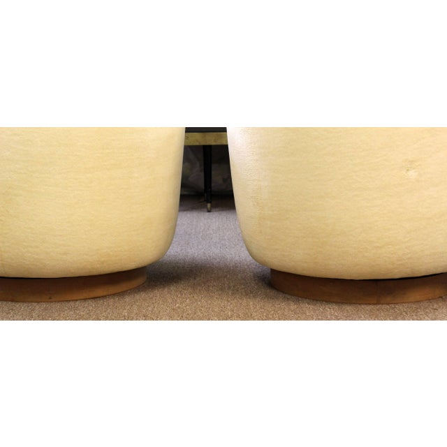 Textile Mid-Century Modern Baughman Thayer Coggin Pair of Plinth Base Swivel Tub Chairs For Sale - Image 7 of 10