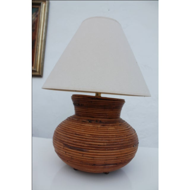 Vintage table lamp in the form of a pencil reed jar. In excellent condition. Perfect boho decor piece. Dimension: From the...