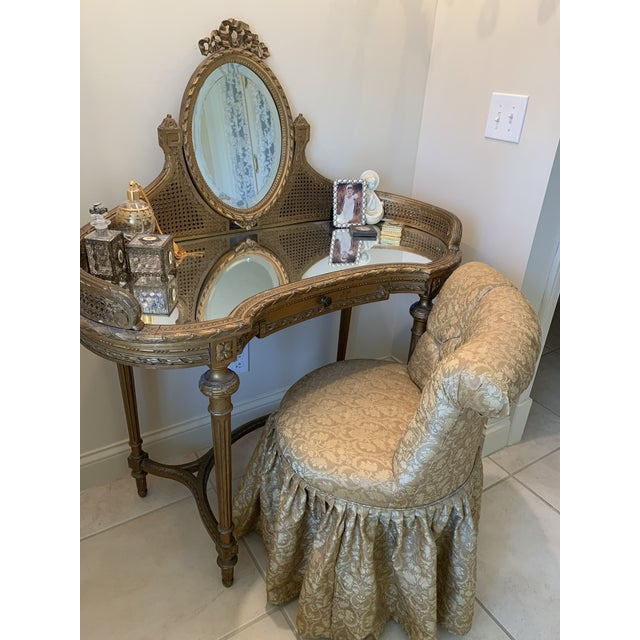 19th Century Italian Gilded Vanity With Curved Oval Mirror For Sale - Image 10 of 11
