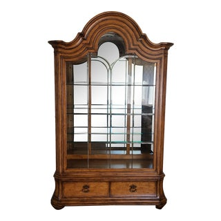 Thomasville the Hills of Tuscany Santa Christina Light Rustico Glass Curio China Cabinet For Sale