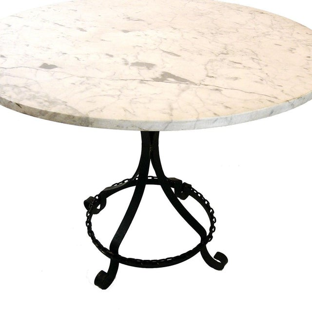 Marble-Top Chain Link Garden Patio Set in the Manner of George Mulhauser For Sale - Image 9 of 11